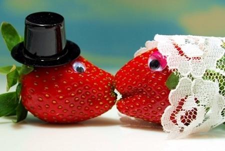 Пожелания к клубничной свадьбе