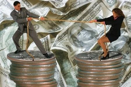 мужчина и женщина на деньгах