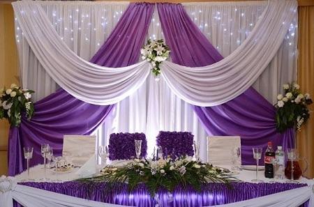Свадебный стол молодоженов