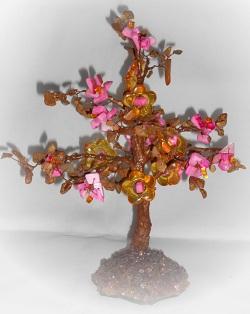 Дерево из яшмы и коралла