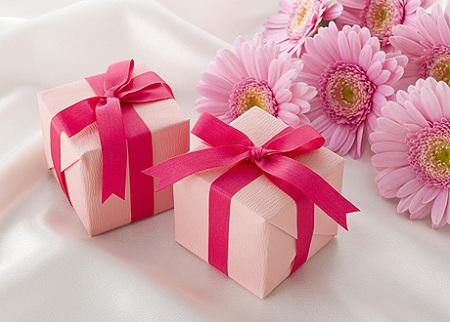 Подарки на розовую свадьбу