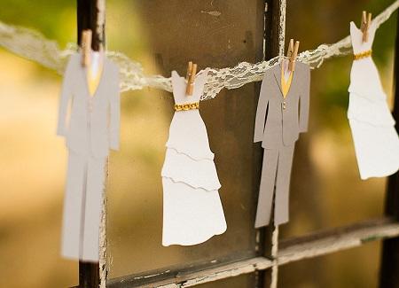 Традиции на бумажную свадьбу