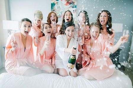 девичник с шампанским