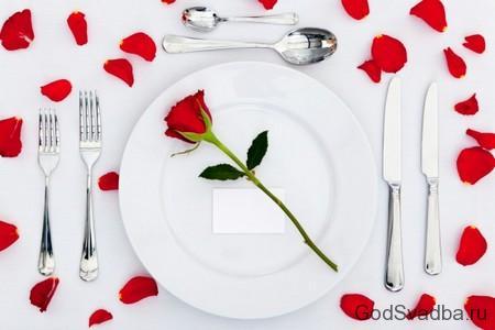 роза на тарелке