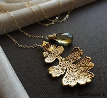 золотой дубовый листик-повеска